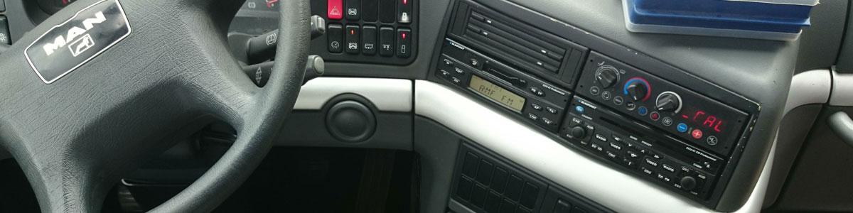 Montaż systemów audio-wideo w autobusach